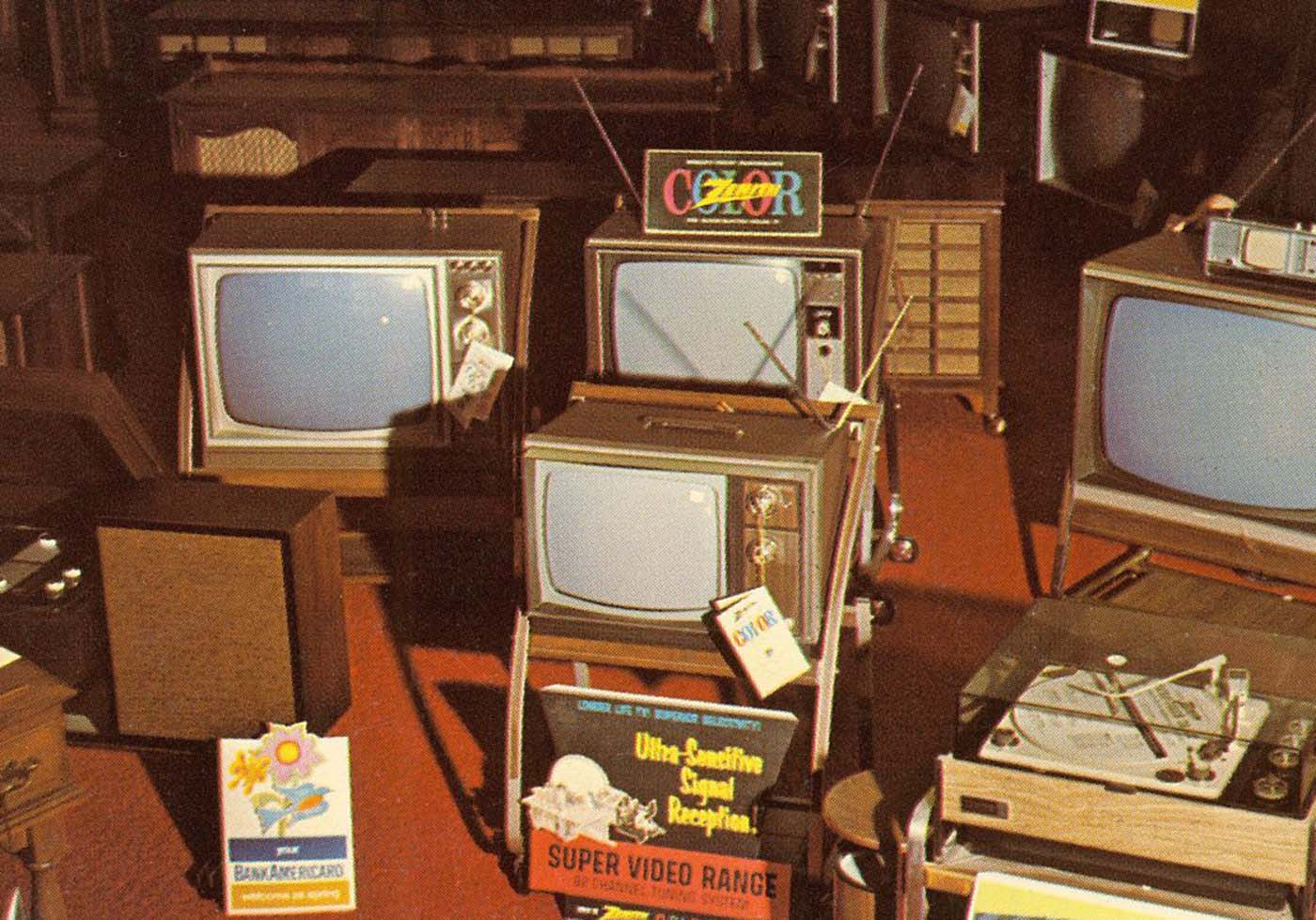 How exactly were color TVs advertised on black and white sets?